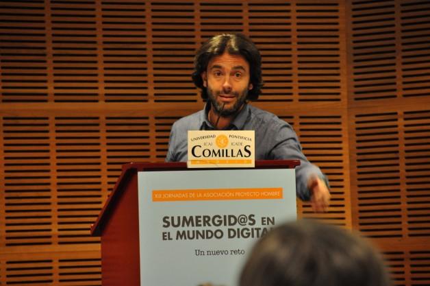 Pablo Llama durante su intervención en las XIX Jornadas de APH en mayo de 2017. (C.E.)